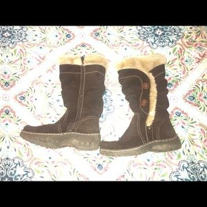 BareTraps winter boots